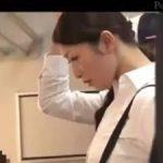 【小早川玲子】タイトスカートのむち尻美熟女先生が痴漢に公然レイプされる‼