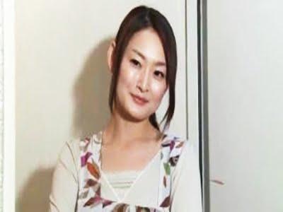 生意気な人妻(竹内紗里奈)