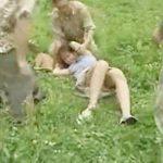 <人妻×輪姦>不倫をネタに脅され3人の男達に野外レイプされる色白貧乳スレンダーな若妻【ヘンリー塚本】