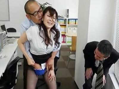 墜とされた人妻女上司 川上ゆう