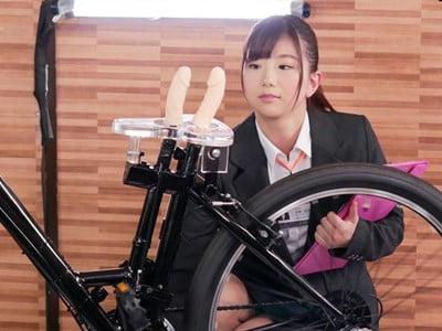 SOD女子社員 2穴交互挿入アクメ自転車がイクッ!自ら新型開発の実験台となりイキまくった、編成部女子社員 本橋由香