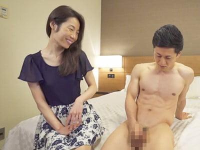 熟女が恥らうセンズリ鑑賞 14