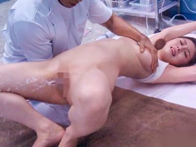 あやか(25)結婚1年の人妻 マジックミラー号 スペンス乳腺マッサージで真正中出し!
