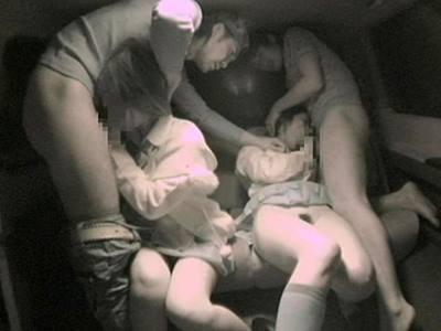車中で犯●れそのまま捨てられる少女