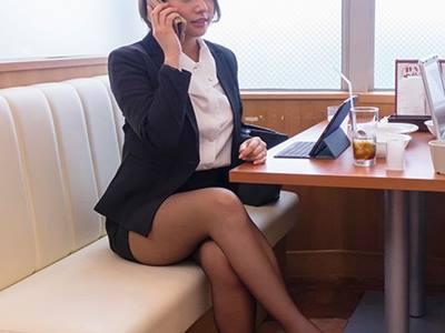 北関東方面への一泊二日の地方出張で会社の経費削減の一環でツインの相部屋で現地泊する事になってしまった女上司と絶倫部下 今井夏帆