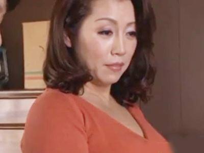 息子をオナホに寝取られた母 愛矢峰子